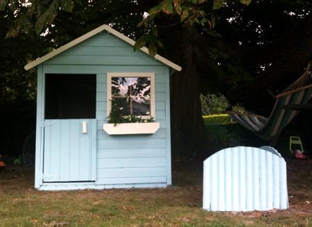 En bois ou en plastique la cabane pour les enfants mon blog de maman - Cabane en plastique pour enfant ...
