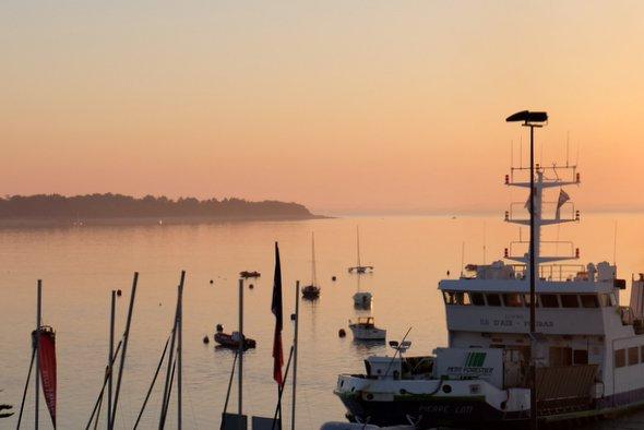 aix-island-sunrise